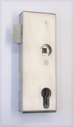 79200 - Edelstahl Schlosskasten geschliffen K240, mit verzinktem Einsteckschloss, 172 x 60 x 30 mm