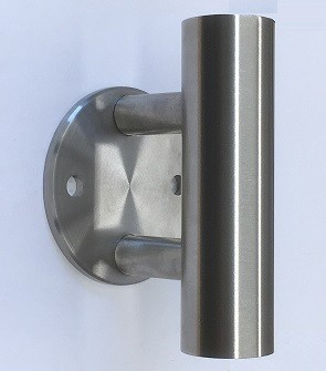 Wandankerset aus Edelstahl bestehend aus Ronde Ø 100 x 6, mit 2 Befestigungsbohrungen Ø 11 mm, 2 Hülsen L = 150 mm und 2 Senkkopfschrauben M8 x 170 mm